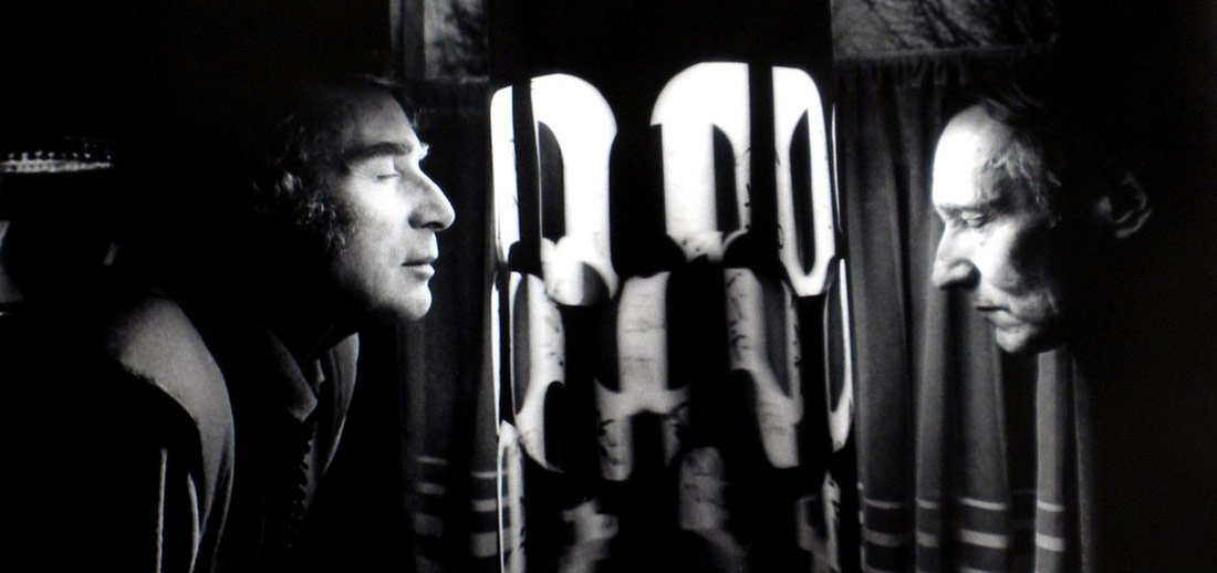 Gysin and Burroughs in front of a Dreamachine
